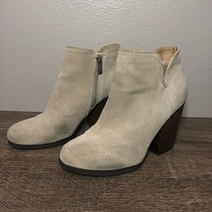Kenneth Cole Reaction Shoes - Kenneth Cole Reaction Heeled Booties Size 7